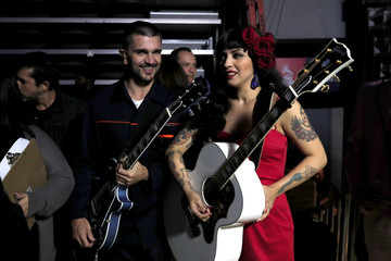 Juanes The 17th Annual Latin Grammy Awards - Backstage And Audience