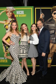 Judd Apatow Leslie Mann Universal Pictures And DreamWorks Pictures' Premiere Of 'Welcome To Marwen' - Red Carpet