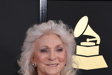 Judy Collins The 59th GRAMMY Awards - Arrivals