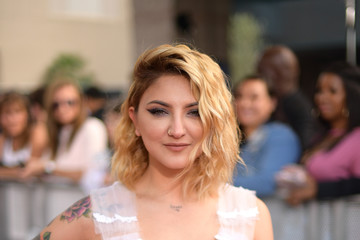 Julia Michaels 2018 Billboard Music Awards - Red Carpet
