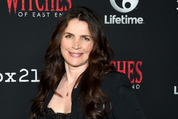 "Julia Ormond ""Witches Of East End"" Season 2 Premiere - Comic-Con International 2014"