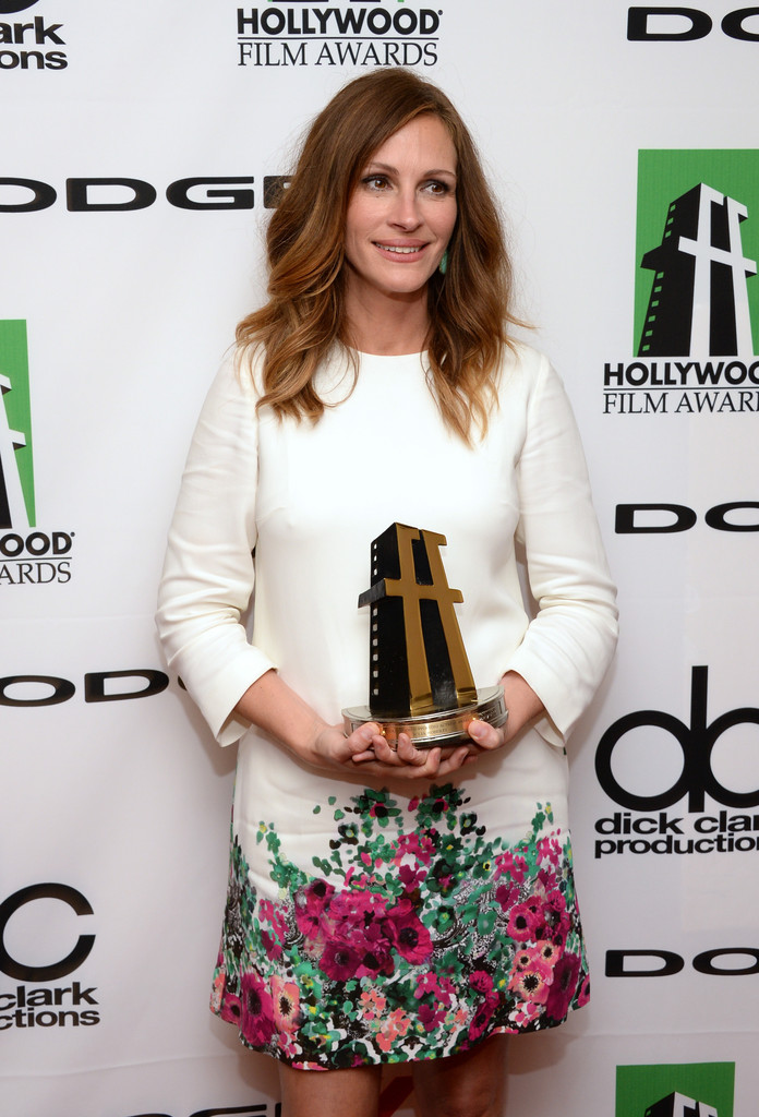 Julia Roberts' Pretty Floral Dress