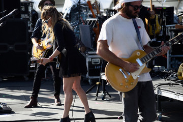 Julia Stone 2015 Coachella Valley Music And Arts Festival - Weekend 1 - Day 1