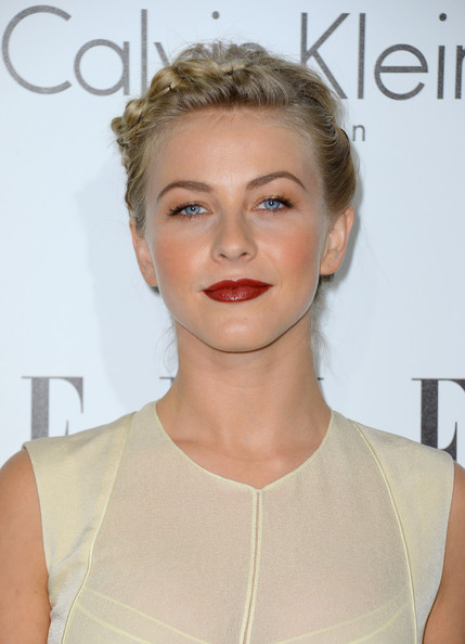 http://www1.pictures.zimbio.com/gi/Julianne+Hough+19th+Annual+ELLE+Women+Hollywood+bZnV17kxs3jl.jpg