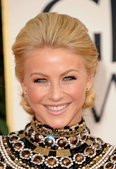 http://www1.pictures.zimbio.com/gi/Julianne+Hough+68th+Annual+Golden+Globe+Awards+1erXwhjkiRXl.jpg