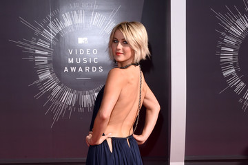 Julianne Hough Arrivals at the MTV Video Music Awards — Part 2