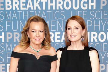 Julianne Moore Caroline Scheufele 2019 Breakthrough Prize - Red Carpet