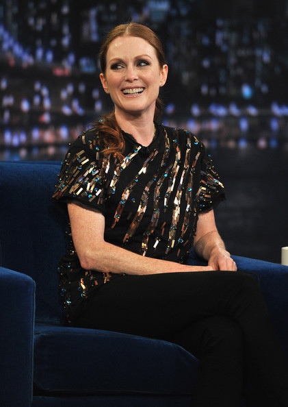 "Julianne Moore visits ""Late Night With Jimmy Fallon"" at Rockefeller Center on July 28, 2011 in New York City."