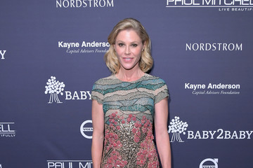 Julie Bowen Paul Mitchell Presents the 2017 Baby2Baby Gala - Inside