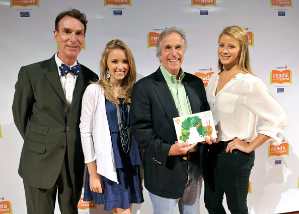 (L-R) Actors Bill Nye, Emily Osment, Henry Winkler, and Lo Bosworth attend Jumpstart?s Read for the Record at the LA Public Library on October 8, 2009 in Los Angeles, California.