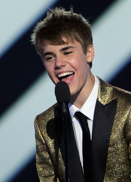 justin bieber 2011 billboard awards. 2011 Billboard Music Awards -