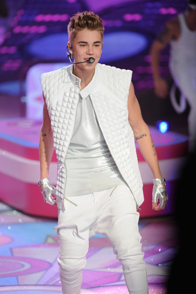 justin bieber photos photos 2012 victorias secret