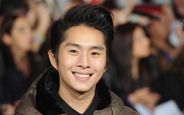 Justin Chon Pictures - The Premiere of 'Breaking Dawn ...