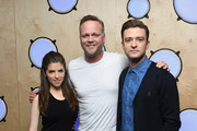 Justin Timberlake and Anna Kendrick pose with Magic Radio presenter Nick Snaith (C) during a visit to Bauer Radio on September 30, 2016 in London, England.