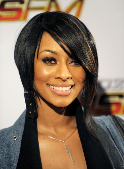 Singer Keri Hilson arrives at KIIS FM's Jingle Ball at Nokia Theater on December 5, 2009 in Los Angeles, California.
