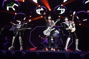 Tommy Thayer Photos Photo