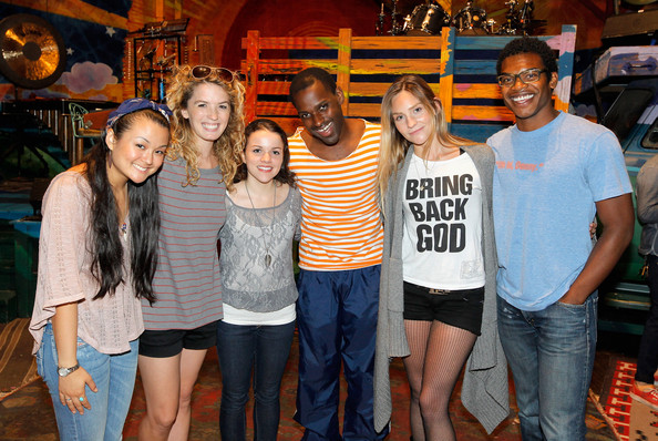 """""""Hair"""" Celebrates 300 Performances And Welcomes New Cast Members"""
