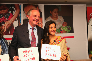Kajol Devgan Help a Child Reach 5 Event