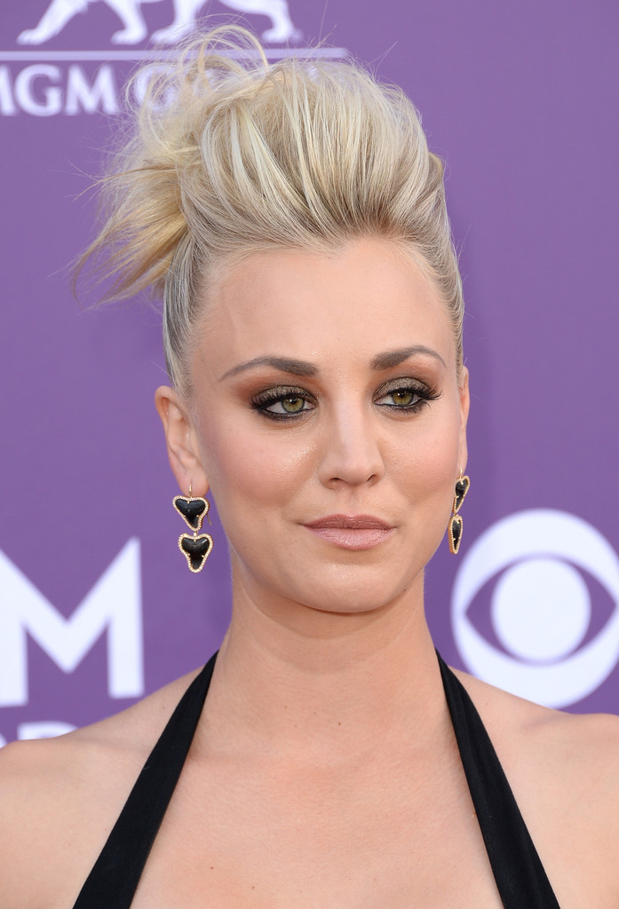 Love it or Loathe it: Kaley Cuoco's Pompadour Updo at the ACM Awards