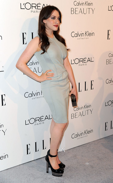http://www1.pictures.zimbio.com/gi/Kat+Dennings+ELLE+17th+Annual+Women+Hollywood+_9Vojw9RckFl.jpg