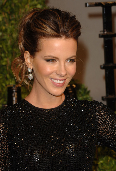 kate beckinsale haircuts. KATE BECKINSALE HAIRCUT 2011. KATE BECKINSALE HAIRCUT 2011