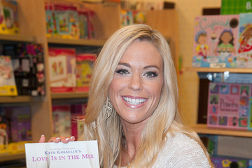 Kate Gosselin Kate Gosselin Signs Copies Her New Book