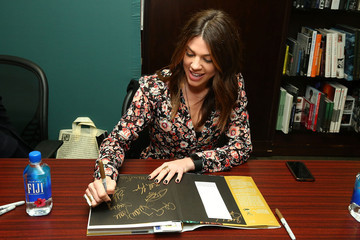 Kate Mansi 'Days of Our Lives' Book Signing - Barnes and Noble 5th Avenue