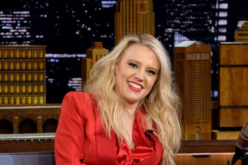 Kate McKinnon Kate McKinnon Visits 'The Tonight Show Starring Jimmy Fallon'