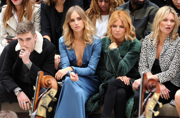 Burberry Womenswear Spring/Summer 2016 - Front Row & Runway