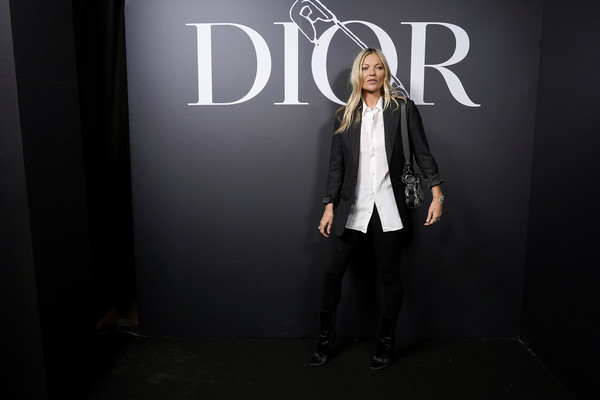 Dior Homme : Photocall - Paris Fashion Week - Menswear F/W 2020-2021 [fashion,beauty,text,outerwear,photography,font,design,fashion design,darkness,formal wear,dior homme,kate moss,part,paris,france,dior homme menswear fall,photocall - paris fashion week,show,paris fashion week,kate moss,fashion,runway,fashion show,paris fashion week,model,dior homme,photocall]