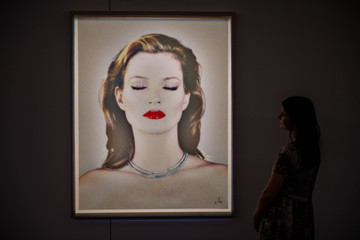 Kate Moss Colourful Exhibition Celebrating British Art At Sotheby's