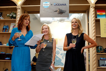 Kate Walsh Celebrities Come Out To Support The TOMS x Oceana Partnership