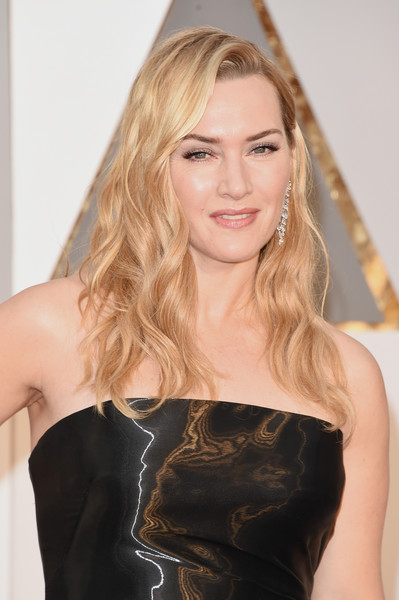 88th Annual Academy Awards - Red Carpet Pictures [hair,blond,human hair color,beauty,hairstyle,fashion model,shoulder,long hair,model,brown hair,arrivals,kate winslet,academy awards,hollywood highland center,california,88th annual academy awards]