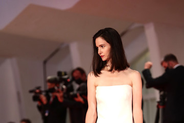 Katherine Waterston Kineo Prize Red Carpet - The 77th Venice Film Festival