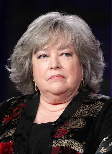 how tall is kathy bates