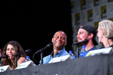 Katie Cassidy Stephen Amell 2019 Comic-Con International - 'Arrow' Special Video Presentation And Q&A