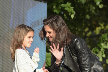 Katie Holmes Suri Cruise 2015 Global Citizen Festival in Central Park to End Extreme Poverty By 2030 - Show