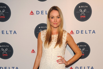 Katrina Bowden The Delta Open Mic with Serena Williams