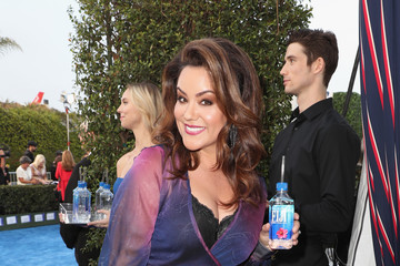 Katy Mixon Landmark Vineyards At The 22nd Annual Critics' Choice Awards