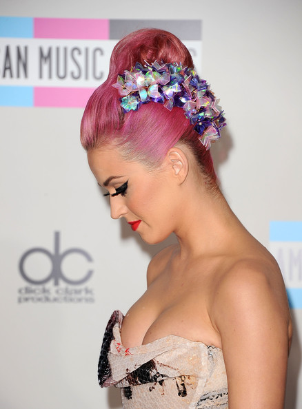 Katy Perry Singer Katy Perry (shoe detail) arrives at the 2011 American Music Awards held at Nokia Theatre L.A. LIVE on November 20, 2011 in Los Angeles, California.