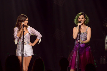 Katy Perry Kacey Musgraves CMT Crossroads: Katy Perry And Kacey Musgraves