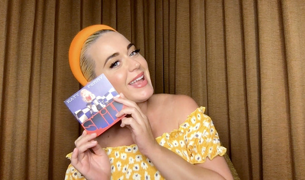 Katy Perry Q&A With Singapore-Based Global E-Retailer SHEIN [yellow,smile,happy,fashion accessory,fashion accessory,blond,katy perry,global e-retailer shein,q a,q a livestream,screengrab,yellow,smile,singapore,blond]
