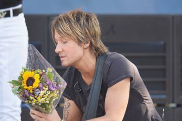 Keith Urban Keith Urban Performs on 'GMA'