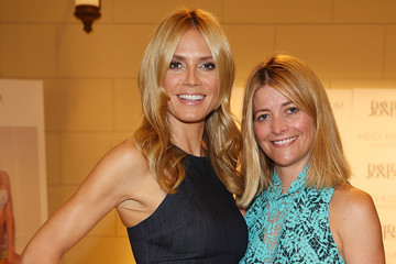 Kellie Hush Heidi Klum Hands Out Gifts from David Jones