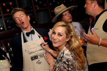 Kellie Pickler 16th Annual Waiting for Wishes Celebrity Dinner Hosted by Kevin Carter & Jay DeMarcus