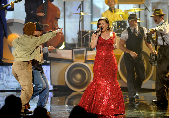 2011 American Music Awards - Show [dance,event,fun,tradition,performance,performing arts,performance art,flamenco,street performance,dress,know it all,kelly clarkson,american music awards,c,california,los angeles,nokia theatre l.a. live,show]