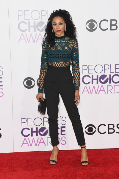 People's Choice Awards 2017 - Arrivals [red carpet,clothing,carpet,fashion,shoulder,hairstyle,footwear,flooring,joint,waist,peoples choice awards,microsoft theater,los angeles,california,arrivals,kelly mccreary]
