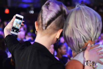 Kelly Osbourne Logo's 'Trailblazer Honors' 2015 - Alternative View
