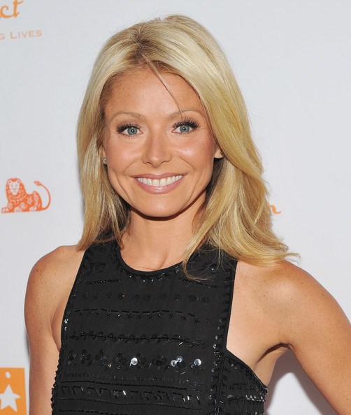 Kelly Ripa Photos Photos - Trevor Live: An Evening