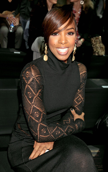 KELLY ROWLAND -  Talk A Good Game le 18 juin 2013 - Page 3 Kelly+Rowland+Roberto+Cavalli+Backstage+Front+_d13ZuQw4fcl